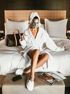 """""""Anti aging skin care"""" is about discipline. Anti aging skin care is retarding the ageing process. Here are a few tips for proactive anti aging skin care: Anti Aging Tips, Best Anti Aging, Anti Aging Cream, Anti Aging Skin Care, Skin Care Regimen, Skin Care Tips, Skin Tips, Organic Skin Care, Natural Skin Care"""