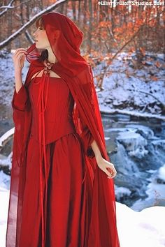 MIRANDA MEDIEVAL STYLE CORSET GOWN W/DETACHABLE SLEEVES CUSTOM ~ Little Red Riding Hood? $950.00
