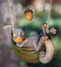 Daydreaming Animals Hanging Garden Décor