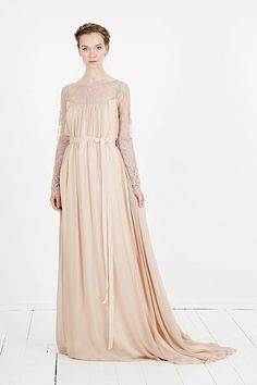 elfenkleid: feel modern yet romantic glow Bridesmaid Dresses, Wedding Dresses, Elegant, Outfit, Special Occasion, Dresses With Sleeves, Romantic, Long Sleeve, Modern