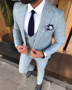 Product : Connor Beige Slim-Fit Suit Color code : Cream Suit material: Viscos, Poly, Lycra Machine washable : No Fitting : Regular Slim-fit Remarks: Dry Cleaning Only Blazer Outfits Men, Mens Fashion Blazer, Suit Fashion, Men's Outfits, Dress Suits For Men, Suit And Tie, Mens Suits, Designer Suits For Men, Fitted Suit