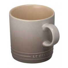 Le Creuset Nutmeg Stoneware Mug: The Le Creuset Mug holds up to 350ml of drink, it has an easy grip handle and the recognisable Le Creuset branding with 3 concentric rings on the body. Each product is microwave, oven, freezer and dishwasher safe and made of hard wearing stoneware to resist staining, chipping and cracking.
