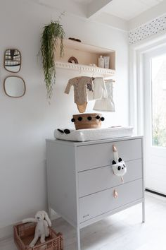A peek into the baby room with a DIY commodity cupboard Babyroom tour Scandinavian Style Baby Bedroom, Baby Boy Rooms, Room Baby, Bedroom Wall, Newborn Room, Baby Boy Nurseries, Diy Kids Room, Diy Chest Of Drawers, Deco Kids