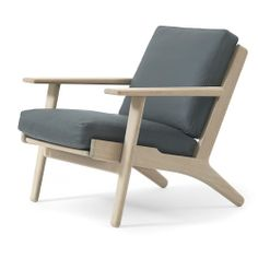Model: GE 290 Easy Chair http://www.getama.dk/ Designed by: Hans J. Wegner Year of design: 1953 Available in: Beech or oak Upholstery: Fabric or leather Height: 75cm Length: 76cm Depth: 78cm Seat height: 42cm