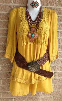 Mustard colored dress and accessories would look perfect with a pair of Anderson Bean boots. Cowgirl Chic, Cowgirl Mode, Cowgirl Style, Cowgirl Tuff, Western Style, Cowgirl Outfits, Western Outfits, Western Wear, Western Dresses