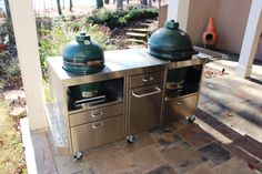 Buy Custom stainless steel table for XL Big Green Egg at online store Big Green Egg Table, Green Eggs, Ceramic Cooker, Broken Egg, Stainless Steel Table, Lake House Plans, Cocktail Tables, Lake Homes, Outdoor Decor