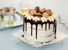 Chocolate drip cake - Bremykt Chocolate Drip Cake, Rose Cake, Drip Cakes, Cake Pops, Tiramisu, Baking, Ethnic Recipes, Birthday Ideas, Food Cakes