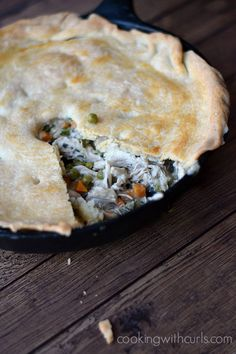 Skillet Chicken Pot Pie makes everyone in the family happy | cookingwithcurls.com
