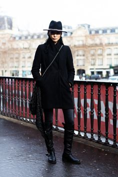 taniabraukamper:  Someone once left me a comment on a photo ofthis outfitthat simply said:Flyest. Zorro. Ever.It stuck with me because, it's face it, that's a pretty cool compliment. That's the power of a blackwide brimmed hat… Full post on Fashionising.com.   All black jam