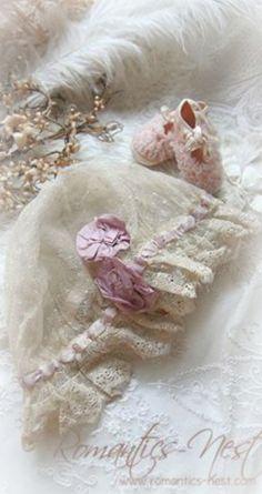 Vintage baby bonnet ~Debbie Orcutt ❤