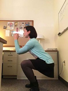 I Took Squat Breaks At Work Every Day For A Month, And Here's What Happened