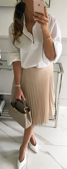 #spring #outfits  White Shirt + Beige Pleated Skirt + White Pumps