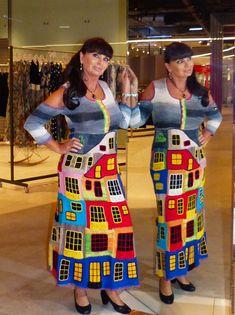 Купить или заказать Летнее платье 'ХУНДЕРТВАССЕР'-3 хлопок в интернет-магазине на Ярмарке Мастеров. Сегодня было открытие моего магазина. Специально к открытию сделала несколько вещей, которые особенно пользуются спросом. Обратите внимание -платье одинаково хорошо сидит на девушке 44 размера и девушке 50 размера. Это одно и то же платье - как я это делаю - большой секрет))) Это платье отличается от предыдущего рукавами, планкой и немного другими цветами пряжи Платье связано вручную из…...