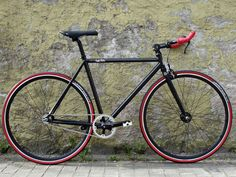 Fixed Gear Bike made for the streets of Berlin