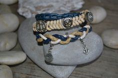 Armband handgemaakt en ontworpen door Walyf