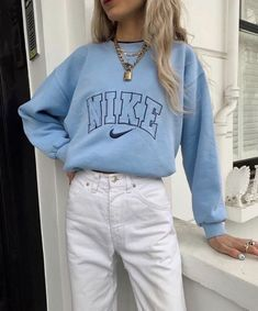 Outfit Idea – Streetwear – Nike Sweat – Outfit - Beauty's World Scene Outfits, Mode Outfits, Girl Outfits, Fashion Outfits, Summer Outfits, Teenager Outfits, Summer Clothes, Fashion Ideas, Fashion Tips