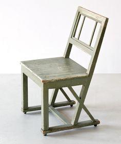 Czechoslovakian Chair, circa 1915, from Zeitlos Berlin Shoegays Painter: Photo