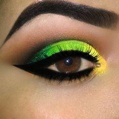 Makeup verde e amarelo www.facebook.com/blogcintaliga