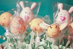 Fun Easter cake pops.