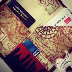 Ça y est, le tuto est en ligne !!! CRÉAetc - www.crea-etc.net ••la pochette du voyageur•• #couture #tuto #diy #creaetc #creaccessoire #pochetteduvoyageur #pochette #pochetteàpasseport #passeport #voyage #pratique #sewing #sewingart #fashionphotography #travel #traveller #blogger