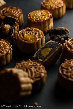 This recipe shows you how to create traditional Cantonese mooncakes from scratch without purchasing golden syrup or kansui. It uses black sesame filling with salty egg yolk. Baking Recipes, Cake Recipes, Snack Recipes, Dessert Recipes, Chocolates, Chinese Moon Cake, Mooncake Recipe, Best Chinese Food, Korean Food
