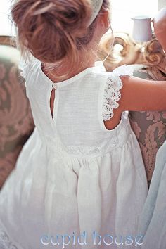 I absolutely love this for a flower girl dress. It would have a mint/seafoam green empire belt and a headband with a flower of he same color. White Flower girl dress Vintage style linen by Vintage Flower Girls, White Flower Girl Dresses, Little Girl Dresses, Vintage Kids, Vintage Linen, Lace Dresses, Dress Lace, Fashion Kids, Baby Girl Fashion