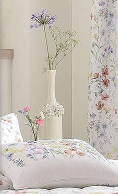 spring flower bedroom, at Rose cottages and gardens, Britain, [Dorma Cottage Style Bedrooms, Cottage Style Decor, Spring Blooms, Spring Flowers, Wild Flowers, Bright Paint Colors, Rose Cottage, Garden Cottage, Lilly Flower