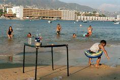 Mexico. Acapulco, The Town Beach, 2008 - Martin Parr - Exhibitions - galerie kamel mennour, 75006 Paris
