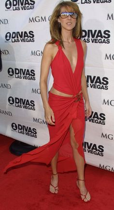 I want to that person who can rock a dress like this!