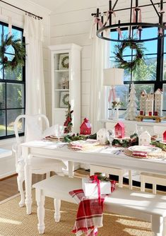 Christmas Colors, Christmas Time, Becca, Table Decorations, How To Plan, Eat, Simple, Furniture, Instagram