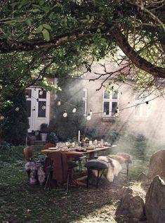 - k a t e m o n t e i t h - Garten-T .-– k a t e m o n t e i t h – Garten-Traum – k a t e m o n t e i t h – Garden dream - Indoor Garden, Home And Garden, Garden Art, Garden Table, Outdoor Spaces, Outdoor Living, Grand Art, Plein Air, Land Scape