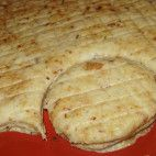 Oškvarkové pagáčiky • recept • bonvivani.sk Slovak Recipes, Savory Snacks, What To Cook, Food 52, Desert Recipes, Cake Recipes, Food And Drink, Cooking Recipes, Bread