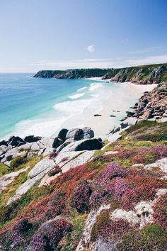 Incredible Places You Have To See in Cornwall Cornwall England, Yorkshire England, Yorkshire Dales, Holiday Destinations, Travel Destinations, Travel Tourism, Travel News, Places To Travel, Places To See