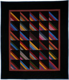 Amish shadow quilt is very traditional in the construction and colors. I love these quilts. Amische Quilts, Jellyroll Quilts, Barn Quilts, Mini Quilts, Small Quilts, Nine Patch, Couettes Amish, Quilting Projects, Quilting Designs