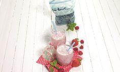 Eine Erfrischung aus Buttermilch und Beeren. Der Smoothie ist nicht nur sehr lecker underfrischend, sondern liefert viele Vitamine und hat dazu noch wenig Kalorien.