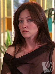 """Shannen Doherty as Prue Halliwell in """"Charmed"""" Beautiful Witch, Beautiful Young Lady, Gorgeous Women, Serie Charmed, Charmed Tv Show, Holly Marie Combs, Rose Mcgowan, Alyssa Milano, Shannon Dorothy"""