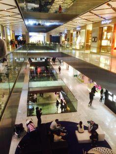 Westfield Shopping Mall - Sydney - Australia - Retail - Fashion - Brands - Variety Retail - Environment - Design - Visual Merchandising