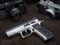 """""""Shoot it"""" - Sphinx 3000 Tactical   (source)"""