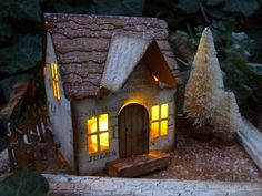 Mixed Media, Paper Crafting, Watercolour, Altered Art, and occasional Dollshouses Putz Houses, Village Houses, Christmas Villages, Christmas Home, House Template, Villas, Fairy Garden Houses, Little Houses, Mini Houses