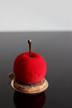 Chocolate and red fruits mousse cake dressed as a cherry. Stunning! #disguise #mousse #patisserie❤️