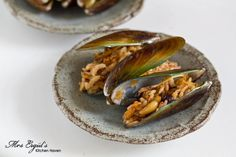 Stuffed Mussels, İstanbul-street style I have to make this recipe ...