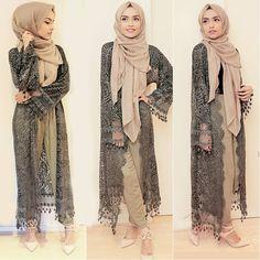Loving this lace kimono from @oooh.my  #ootd #lace #kimono #khaki #hijabstyle #hijabfashion #neutrals #summer