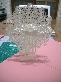 Roda-gigante pop up que fiz. Molde por Hiroko Momoi
