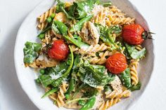 This creamy chicken pasta is surprisingly low in calories as well as being quick, easy and gluten-free. 500 Calorie Meal Plan, 500 Calorie Dinners, Low Calorie Pasta, Meals Under 500 Calories, 300 Calories, Healthy Pastas, Healthy Recipes, Healthy Dinners, Midweek Meals