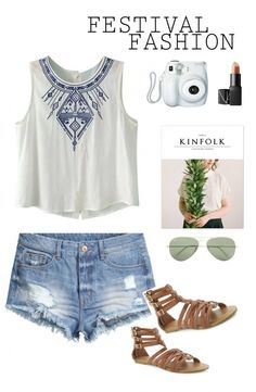 Music Festival Fashion and Tips. Festival Season is right around the corner.  Tips and Tricks to make it a successful weekend.  Effortlessly Chic Boho Inspired Outfit www.uniquelywomen.net