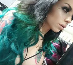 Splat Hair Colorsplat Kit Deep Emerald Color When Non Bleach It Is Much Lighter And Would Look Good For Tips Pinterest Coloring