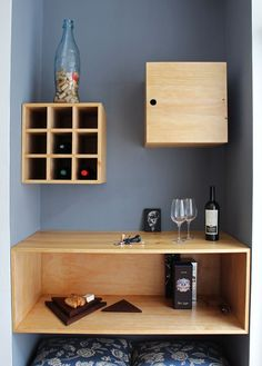 Mueble bar funcional en madera Pino //  Sybil Roose (Visybilidad)