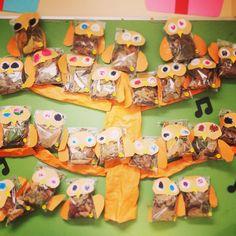 \⍢⃝/\⍤⃝/\⍨⃝/\∵⃝/\⍢⃝/\⍤⃝/\⍢⃝/さんはInstagramを利用しています:「* * ぶどう作るの楽しかった(*´艸`) 想像以上に個性でた🍇 * この前のとうもろこし 可愛いからそのまま置いてある🌽 * 美味しそうで常にお腹空く。 * * #葡萄#ぶどう#とうもろこし#秋#壁面#装飾…」 Preschool Art, Crafts For Kids, Instagram, Crafts For Children, Kids Arts And Crafts, Kid Crafts, Craft Kids