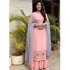Superclassy in our label ❤️ Designer Punjabi Suits Patiala, Punjabi Suits Designer Boutique, Patiala Suit Designs, Indian Designer Suits, Kurti Designs Party Wear, Pakistani Dress Design, Boutique Suits, Punjabi Suit Boutique, Kurta Designs
