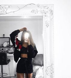 Image could contain: one or more people people standing and inn Baddie Outfits Image inn people standing Tumblr Outfits, Edgy Outfits, Mode Outfits, Cute Casual Outfits, Grunge Outfits, Girl Outfits, Fashion Outfits, Cute Outfits For Parties, Teen Party Outfits